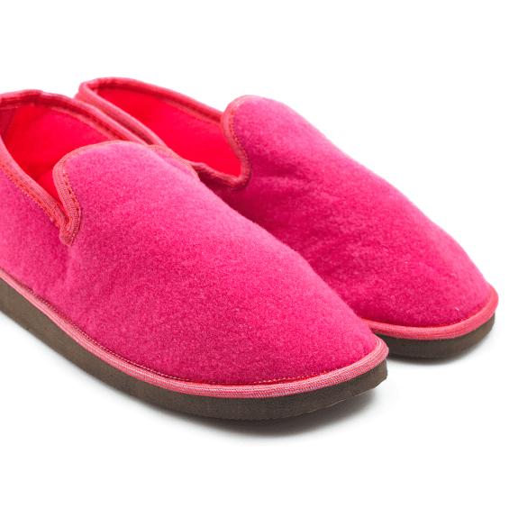 Winter Tips - Pink Slippers - Student Utilities UK